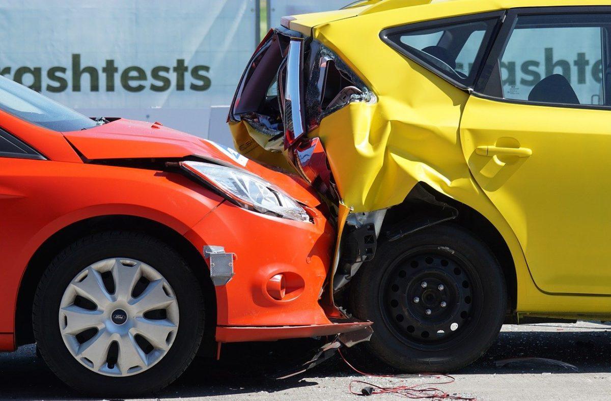 Zazwyczaj polisa ubezpieczenia dotyczy wypłatę odszkodowania w wypadku…